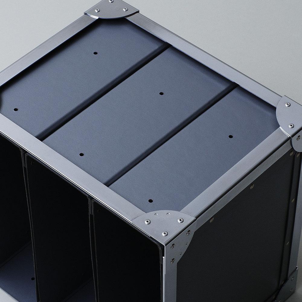 紙製のファイルボックスがピタッと収まっているところにテンションが上がります。
