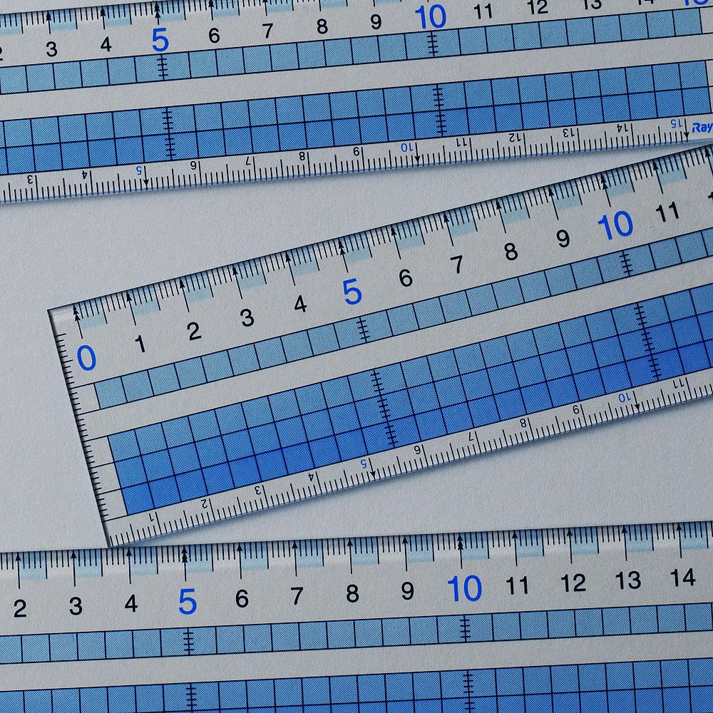 学生時代の文具が実は使える。機能的なレイメイ藤井の方眼定規