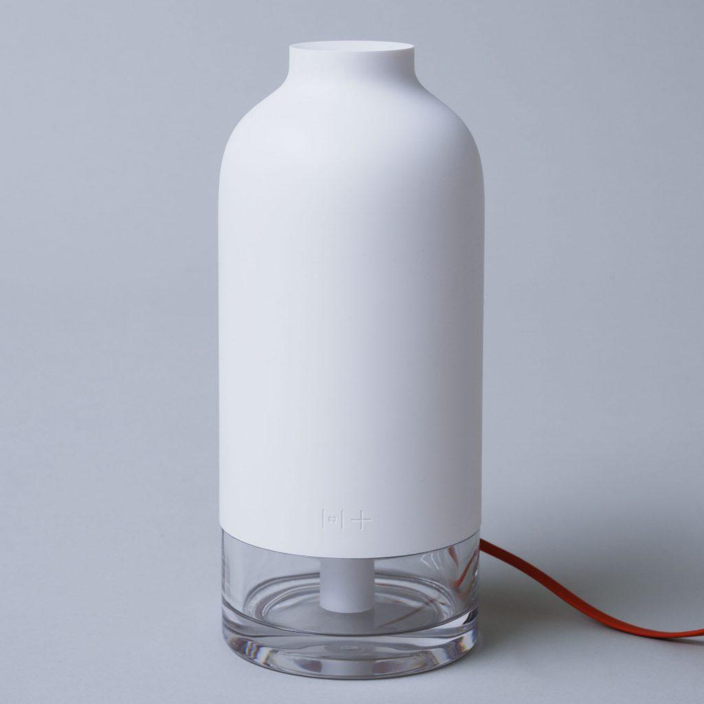 デスク周りの湿度をスマートにコントロールしてくれる、イレブンプラスの加湿器